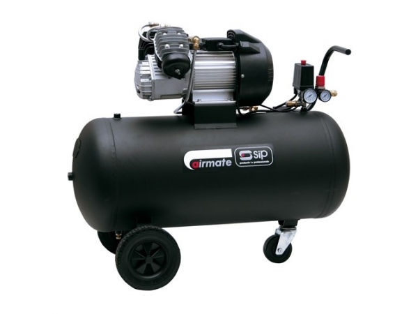 air compressor spraying water